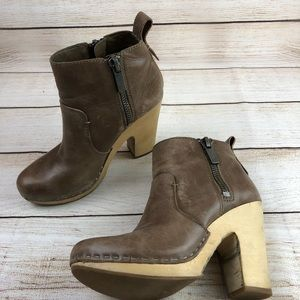 DOLCE VITA • Ankle Booties
